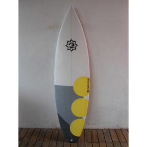 Prancha de Surf 5'10 Momentum - Model Black Tip - PN-350