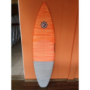 Prancha de Surf 5'11 Momentum - Model Black Tip - PN-355